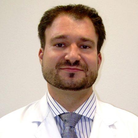 Dr. Álvaro Fernández García
