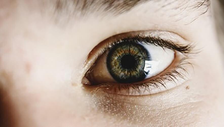 Escozor de ojos por alergia. ¿Por qué se produce?