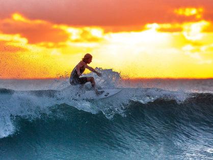 """Como aprender a """"surfear""""… la vida. Una reflexión para este año que comienza."""